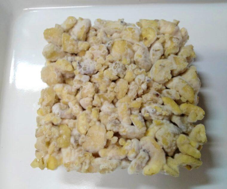 納豆菌が繁殖してスベリ麹になった栗